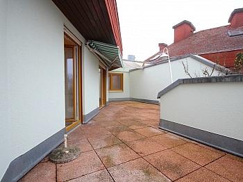 Küche inkl Konstoffisolierglasfenster - Helle 4-Zimmer Penthousewohnung in Viktring