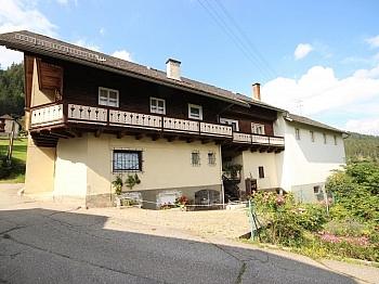 teilweise möglich Holzofen - Wohnhaus mit Geschäftslokal in Zweinitz
