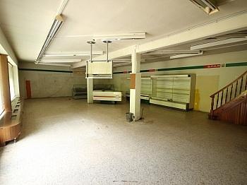 Räume Speis Monat - Wohnhaus mit Geschäftslokal in Zweinitz