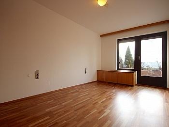 Dusche bieten Anlage - Zentrale 4-Zi-Terrassenwohnung in Waidmannsdorf