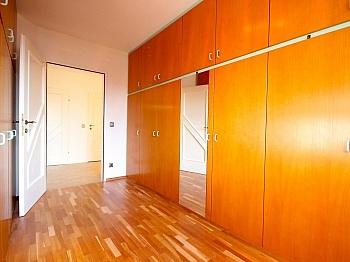 Jahre Helle Real - Zentrale 4-Zi-Terrassenwohnung in Waidmannsdorf