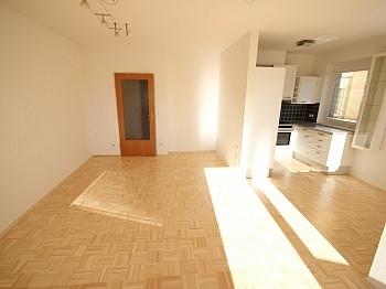 Südloggia inkl Rekabachweg - Schöne helle 3 Zi-Wohnung in Viktring-Rekabachweg