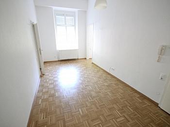 Erdgeschoss Wohnzimmer Wohnküche - Schöne 2 Zi - 44m² Stadtwohnung - Nähe Dorotheum