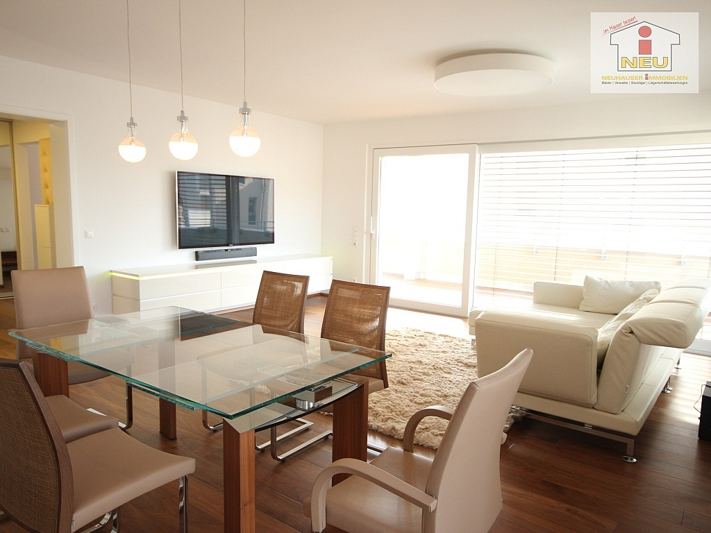 traumhafte neue 3 zi wohnung am kreuzbergl neuhauser immobilien. Black Bedroom Furniture Sets. Home Design Ideas