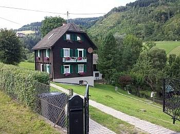 Grundstück übernommen erreichbar - Schönes 1-2 Familienhaus in Ruhelage