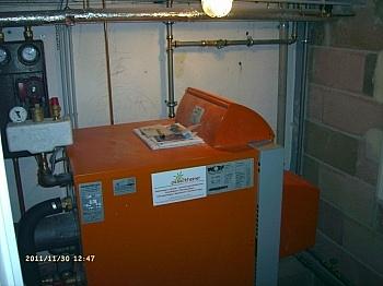 erneuert Hanglage Geräten - Schönes 1-2 Familienhaus in Ruhelage