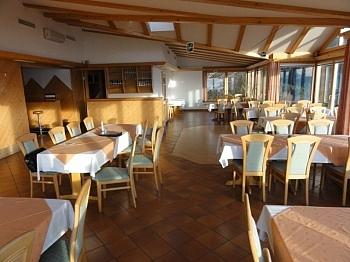 Traumaussicht Gästezimmer Parkflächen - Hotel-/Restaurant in Lavamünd mit Traumaussicht