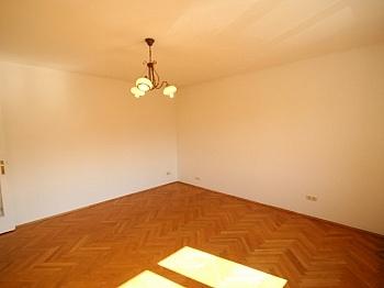Kellerabteil Heizkörper Wohnzimmer - Günstige, helle 2 Zimmerwohnung nahe Zentrum