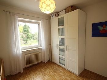 Wohnzimmer gepflegte Rücklage - Krumpendorf, sehr gepflegte 3 Zi Whg in guter Lage