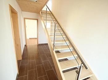 Carportplatz elektrischen Westterrasse - Neues modernes 114m² Wohnhaus in Viktring