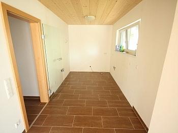 hochwertiger Stellplätze gepflasterte - Neues modernes 114m² Wohnhaus in Viktring