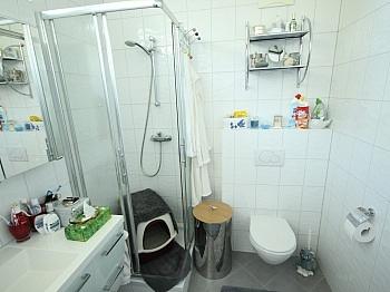 Verwaltung bestehend Garderobe - 3 Zi Penthouse 90m² mit XXL Terrasse - Viktring