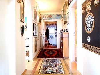 hochwertiger Schlafzimmer geräumiges - Hoch hinauf! Gepflegte 2-Zi-Wohnung im 10.Stock