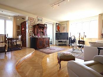 geschmackvollen Modernisierung Garderobereich - Hoch hinauf! Gepflegte 2-Zi-Wohnung im 10.Stock