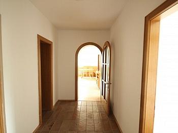 befindet schöne Vorraum - Schöne 4 Zi - Wohnung/98m² UNI - Nähe