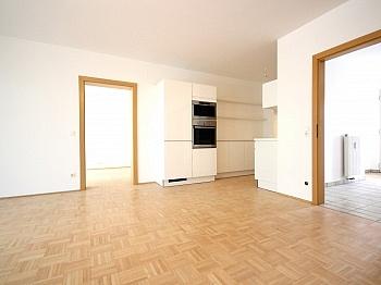 offener Baujahr Bindung - Helle 2-Zi-Wohnung in Krumpendorf mit Seezugang