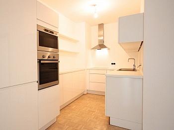 Hauses neuer Diele - Helle 2-Zi-Wohnung in Krumpendorf mit Seezugang