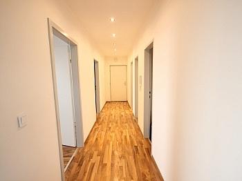 Kellerabteil Schlafzimmer Abstellraum - Schöne 3 - Zi Wohnung in St. Martin Seenähe