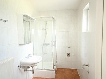 sanierte Wohnung Vorraum - Schöne Wohnung in UNI- und See Nähe