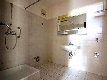 Komplettangebot Küchenzeile Stadtzentrum - Schöne 2-Zi-Wohnung in LKH Nähe inkl. Stellplatz
