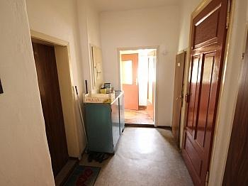 derzeit zentral flaches - 988m² Baugrund mit älterem Wohnhaus - Welzenegg