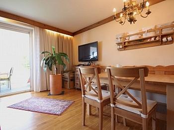 Stromverbrauch wunderschönen generalsaniert - 2-Zi-Wohnung mit atemberaubendem Wörtherseeblick