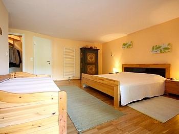 ausgestattet Wendeltreppe Schlafzimmer - 2-Zi-Wohnung mit atemberaubendem Wörtherseeblick