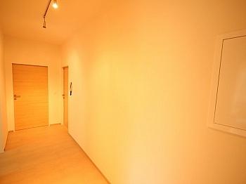 bestehend Beziehbar Eigener - Komplett sanierte 2 Zi Wohnung in Welzenegg