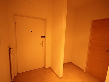 Schlafzimmer nummerierter hochwertige - Komplett sanierte 2 Zi Wohnung in Welzenegg