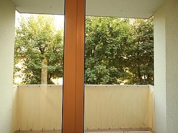 Stock Jahre unter - Komplett sanierte 2 Zi Wohnung in Welzenegg