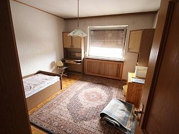 Loggia Herren Dusche - 380m² Wohn- und Geschäftshaus in Waidmannsdorf