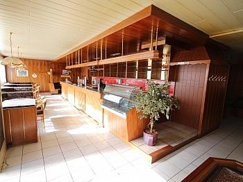 Garagenplätze Stiegenabgang Fliesenböden - 380m² Wohn- und Geschäftshaus in Waidmannsdorf