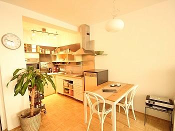Hochparterre Bruttomieten Schlafzimmer - Schöne 2 Zi - Wohnung in Waidmannsdorf - UNI Nähe