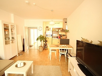 Anzengruberstraße Abstellplätze Waidmannsdorf - Schöne 2 Zi - Wohnung in Waidmannsdorf - UNI Nähe