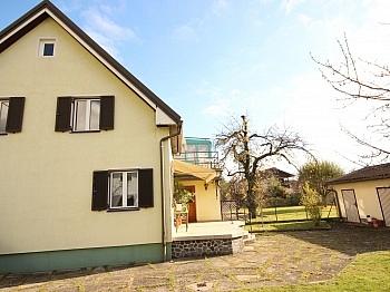 Ölzentralheizung Kunststofffenster Vollwärmeschutz - Teilsaniertes Wohnhaus in Waidmannsdorf ca. 90m²