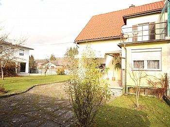 Nebengebäude Wohnhaus Fenster - Teilsaniertes Wohnhaus in Waidmannsdorf ca. 90m²