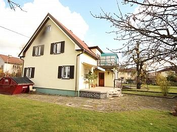 Balkon sanierungsbedürftig Außenstellplätze - Teilsaniertes Wohnhaus in Waidmannsdorf ca. 90m²