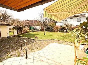 Raumaufteilung Laminatböden Parkettböden - Teilsaniertes Wohnhaus in Waidmannsdorf ca. 90m²