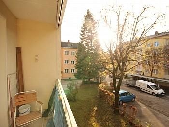 großer Vorraum Dusche - Tolle Lage in Welzenegg schöne 3 Zi-Wohnung