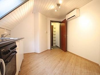 Vermittlungsprovision Penthousewohnung Raumaufteilung - Helle Garconniere in Zentrumslage/Kardinalplatz