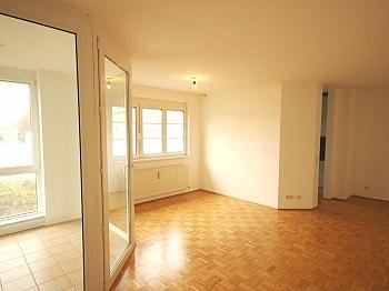Schöne 3 Zi-Wohnung Waidmannsdorf sehr zentral