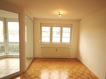 Tiefgaragenplatz Zentralheizung Haushaltsstrom - Schöne 3 Zi-Wohnung Waidmannsdorf sehr zentral