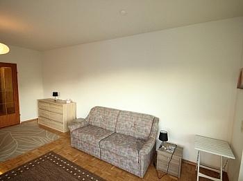 Fliesenböden Schlafzimmer Kellerabteil - Waidmannsdorf, schöne Garconniere 35m² mit Loggia