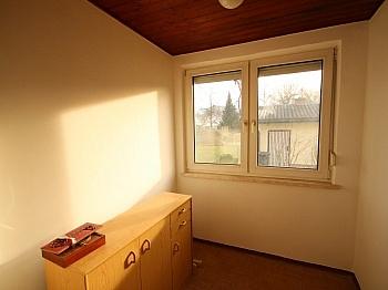 Grundstück gepflegter Wohngegend - Teilsaniertes Wohnhaus in Waidmannsdorf ca. 90m²