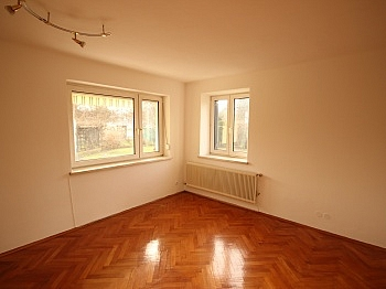 entfernt Schönes geeignet - Teilsaniertes Wohnhaus in Waidmannsdorf ca. 90m²