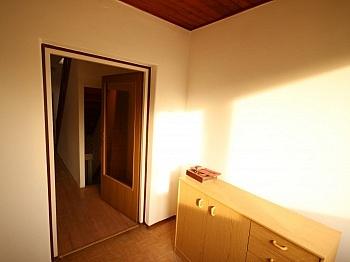 Wohnzimmer teilweise Teilweise - Teilsaniertes Wohnhaus in Waidmannsdorf ca. 90m²