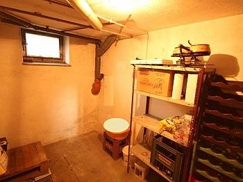 - Teilsaniertes Wohnhaus in Waidmannsdorf ca. 90m²