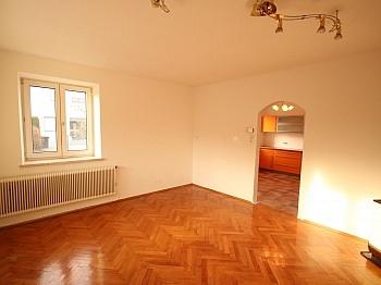 entfernt Autabahn geeignet - Teilsaniertes Wohnhaus in Waidmannsdorf ca. 90m²