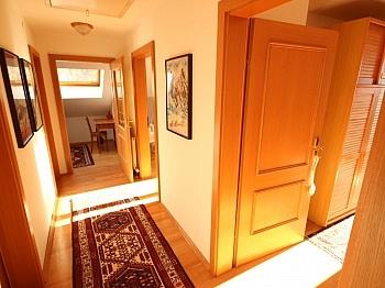 Süden Balken Bäder - Tolles 140m² Wohnhaus in Maria Rain - 2434m² Grund