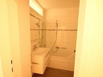 Bindung saniert Vorraum - Schöne 3 - Zi Wohnung in Waidmannsdorf